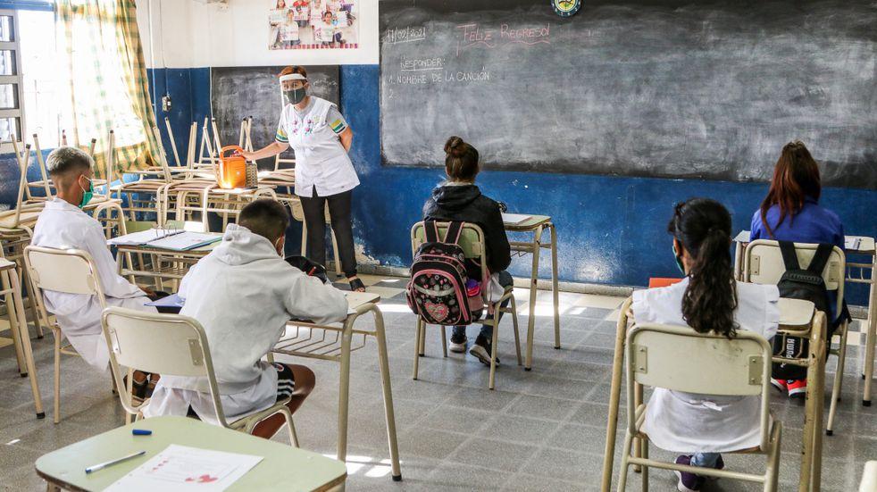 Santa Fe anunció mayores restricciones en Rosario: sin clases presenciales