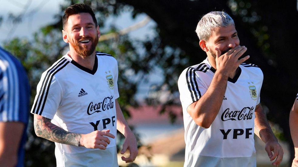"""Joan Laporta: """"Queremos que Lionel Messi firme y Sergio Agüero está ayudando"""""""