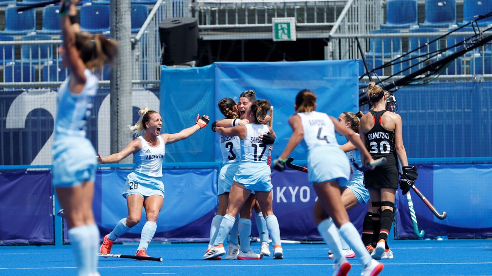 Juegos Olímpicos: Las Leonas golearon 3-0 a Alemania y se metieron en las semifinales