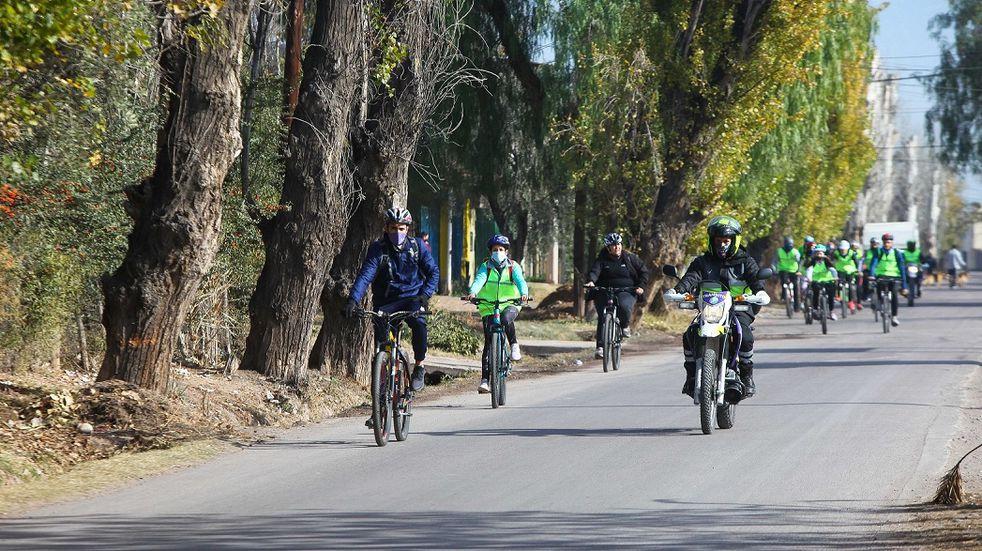 Un nuevo bicitour ha organizado la Municipalidad de Guaymallén, en esta oportunidad se recorrerá la zona productiva del departamento. Gentileza MG