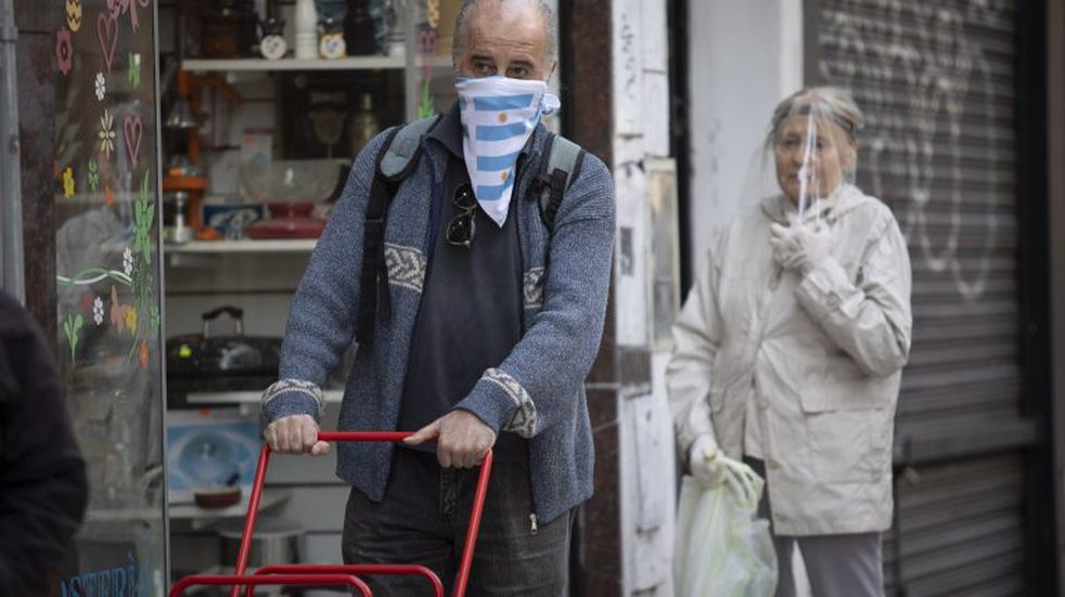 Coronavirus en Argentina: 379 personas murieron y se registraron 10.621 nuevos contagios