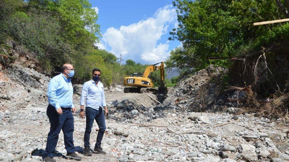 Realizan obras para prevenir la crecida del Río El Tala