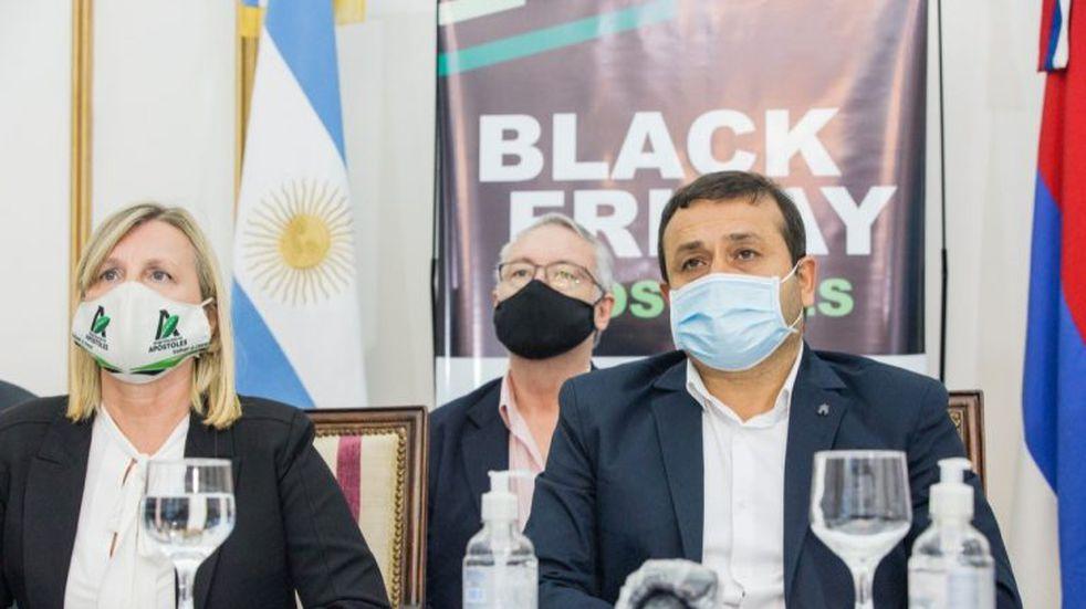 Oscar Herrera Ahuad acompañó el lanzamiento del black friday en Apóstoles