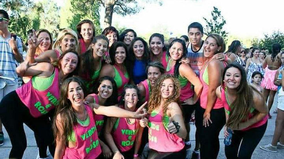 Una academia de danzas de Maipú realiza videos en diferentes puntos de Mendoza