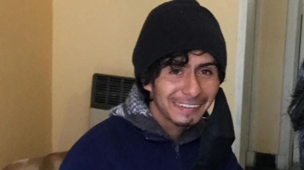 A través de una campaña en las redes, buscan ayudar a un sanjuanino de 18 años con retraso madurativo y que vive en la calle