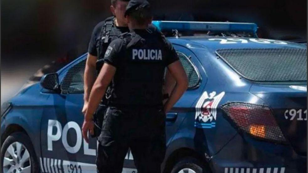 Tres delincuentes armados ingresaron a una vivienda de Lujan  de Cuyo donde estaba una mujer con sus dos pequeños hijos, le robaron todo. Imagen ilustrativa