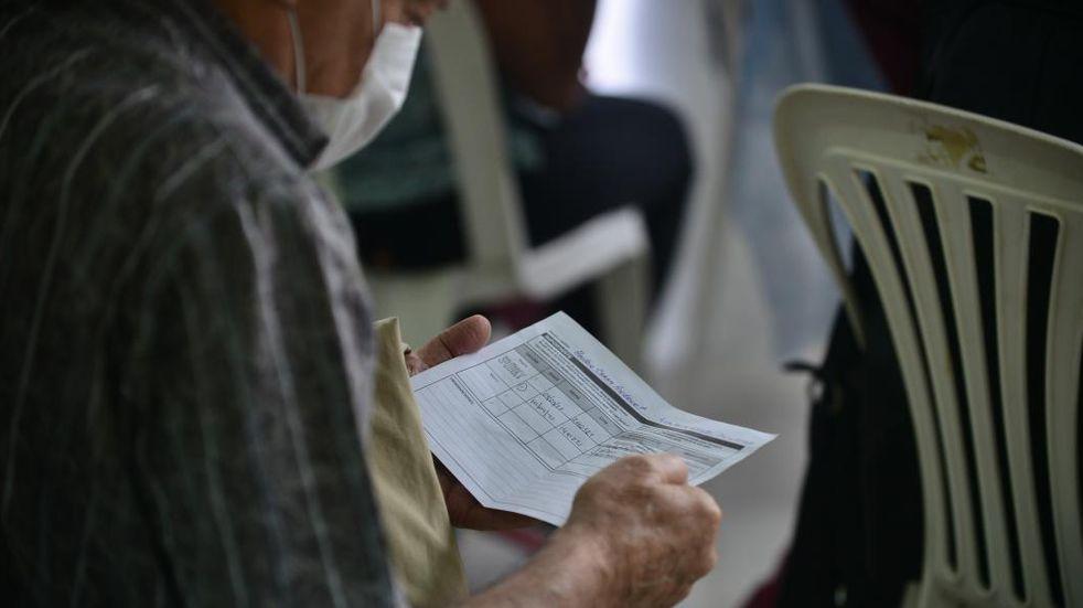 Coronavirus en Córdoba: bajó la cifra de casos pero siguen por arriba de los dos mil