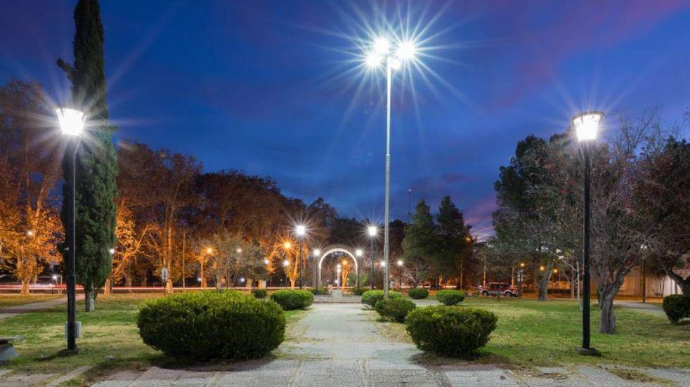 Nueva iluminación en la plaza Italia
