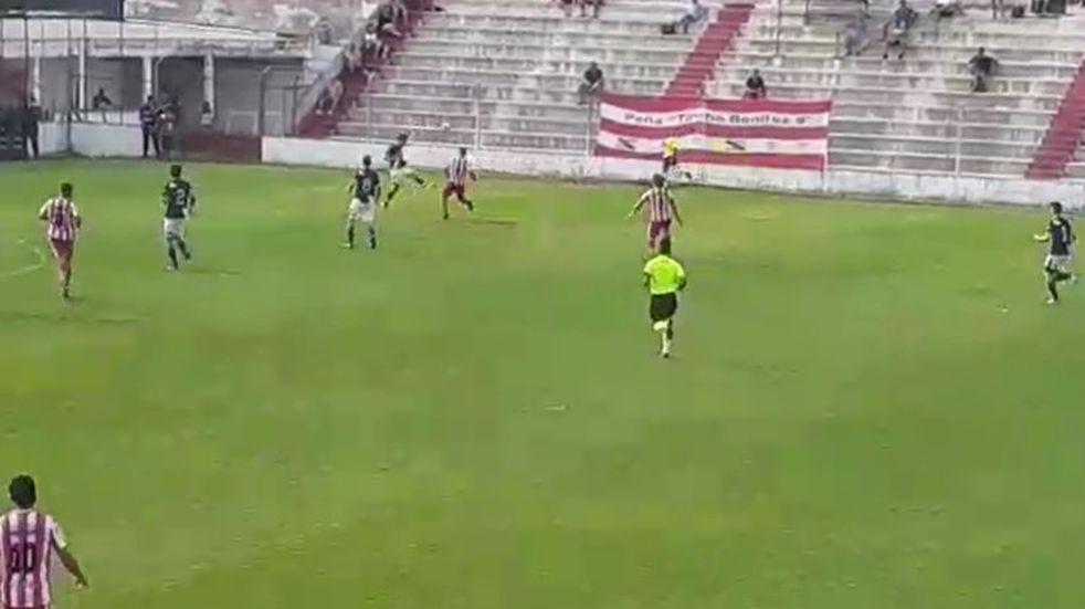 Ben Hur goleó 4 a 0 ante Atlético Paraná y buscará el ascenso en San Francisco
