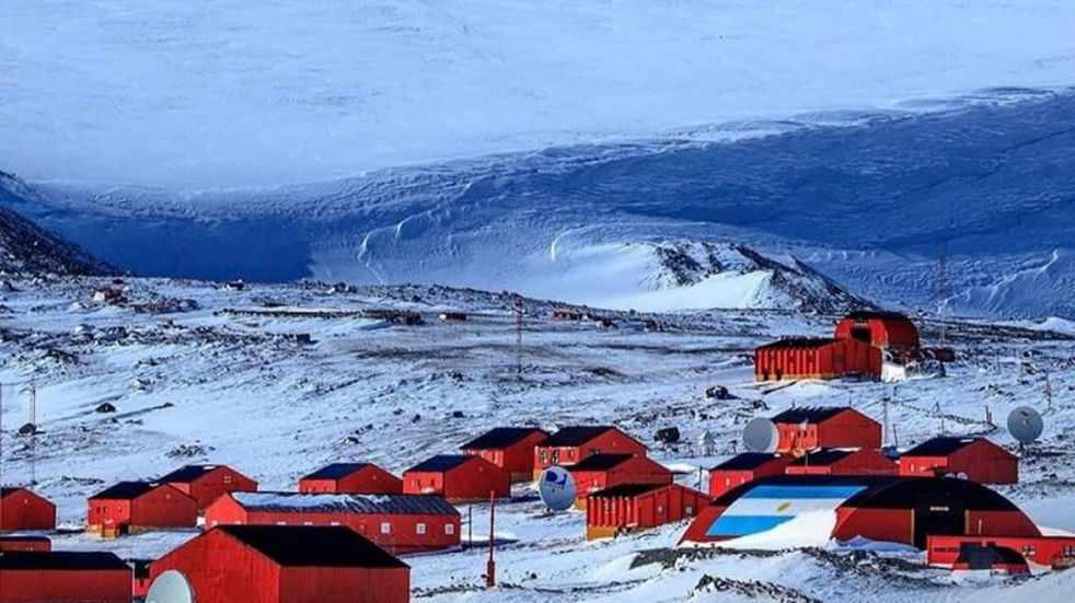 No al cierre de la Escuela Antártica N° 38