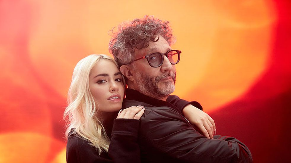 """Lali Espósito y Fito Páez la rompieron con el video de su tema """"Gente en la calle"""""""