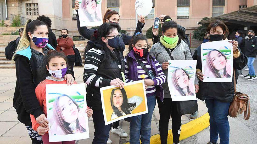 El lunes en una audiencia preliminar podrían definir la suerte de la policía que ignoró el llamado al 911 en el caso Florencia Romano. José Gutierrez / Los Andes
