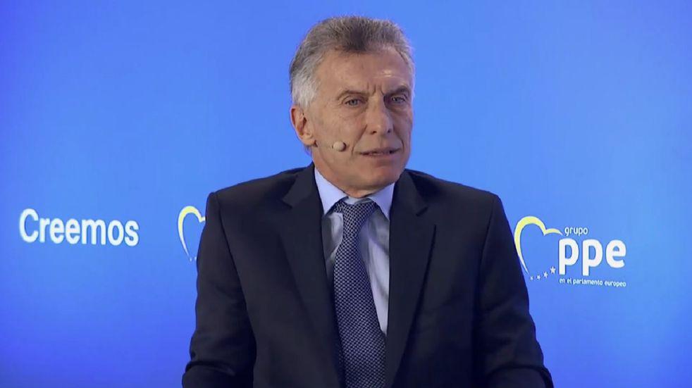 Mauricio Macri quedó varado en Zúrich: le cancelaron el vuelo de regreso al país