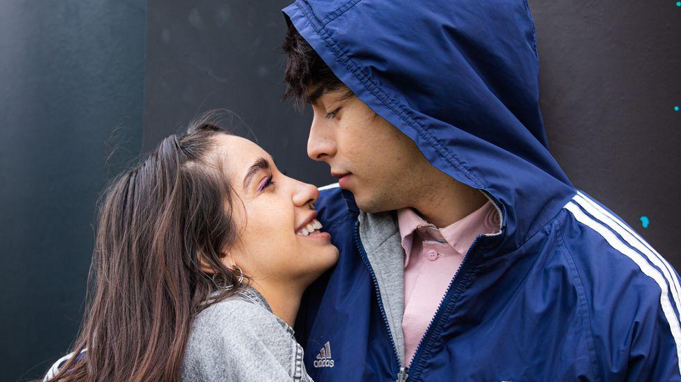 """Rusherking y María Becerra lanzaron """"Antes de ti"""", un tema sobre su historia de amor."""