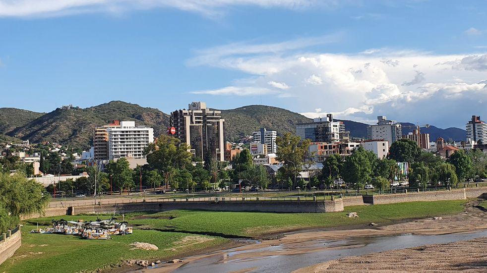 Sale el sol este jueves en Carlos Paz con una máxima estimada en los 28°C