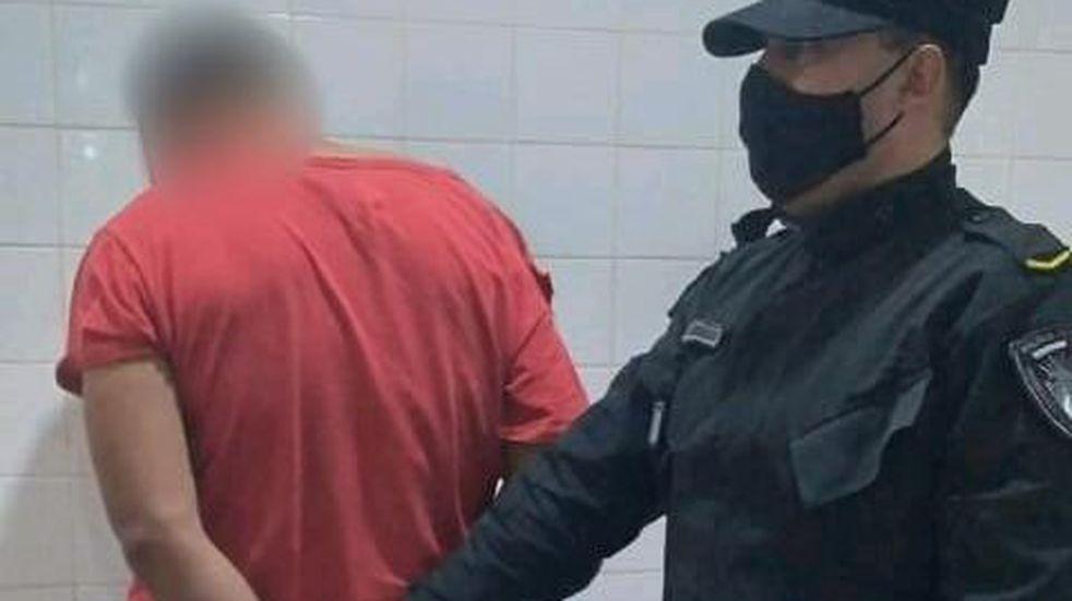 Posadas: detuvieron a un joven por robar a punta de cuchillo y en el arresto hirió a un policía