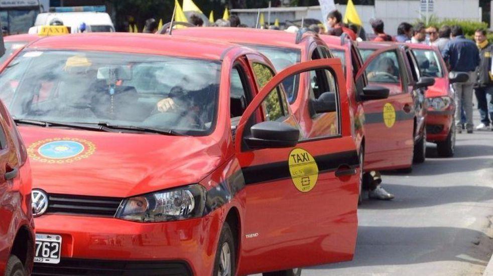 Taxistas se oponen al desembarco de Uber en Salta