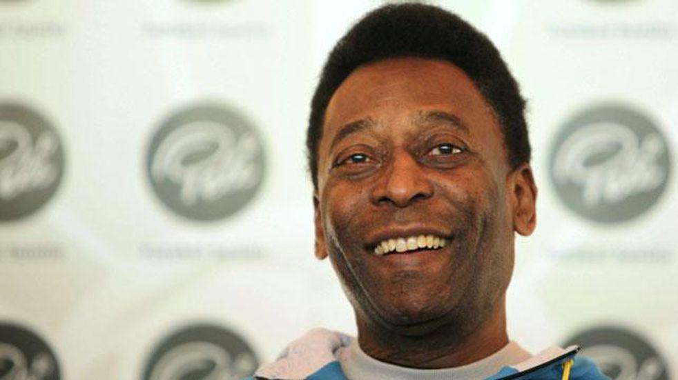 """Pelé se recupera de la operación por un tumor del colon y su hija contó que """"ya no siente dolor"""""""