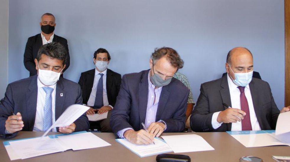 Manzur y Katopodis proyectan construir una ruta alternativa a los Valles Calchaquíes