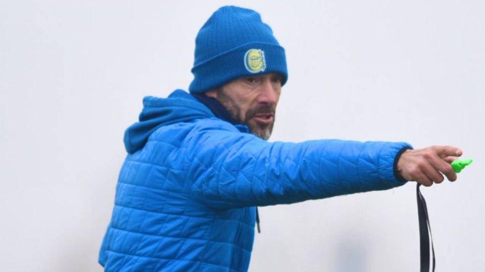 El entrenador Cristian González deberá suplir tres bajas importantes en el equipo, en vistas al enfrentamiento con Talleres el próximo sábado.