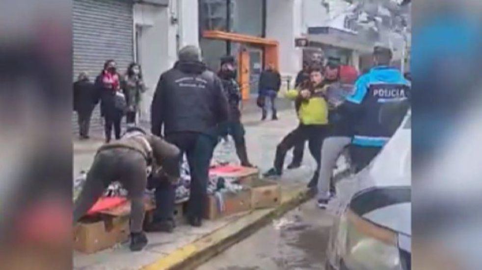 """""""El objetivo era ordenar el espacio público pero algunos vendedores se pusieron violentos"""""""