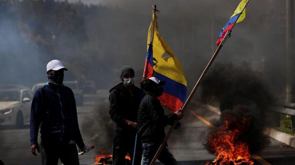 Crisis en Ecuador: Lenín Moreno decretó el toque de queda y militarización de Quito