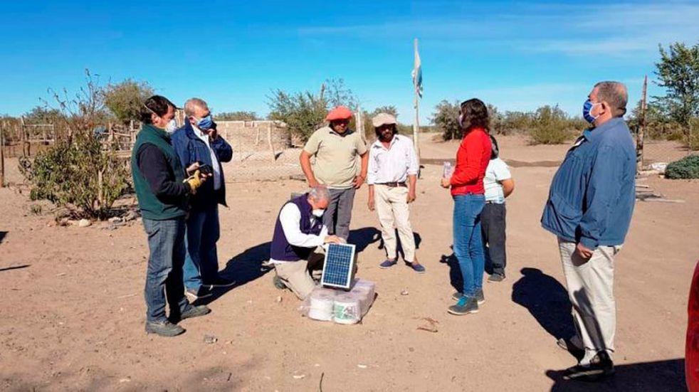 El Gobierno de La Pampa junto al Inta entregaron boyeros solares en 25 de Mayo