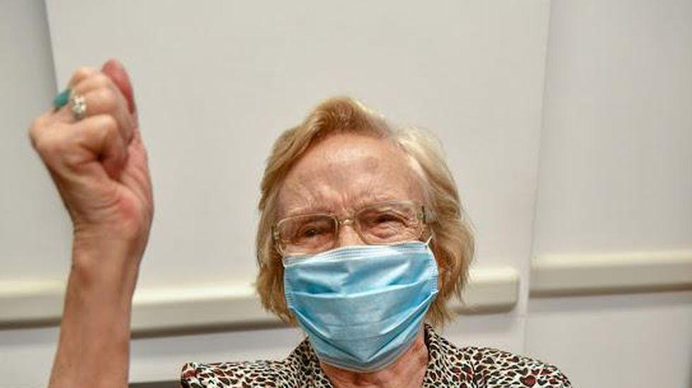 Una mujer de 90 años es la vacunada número un millón en el país