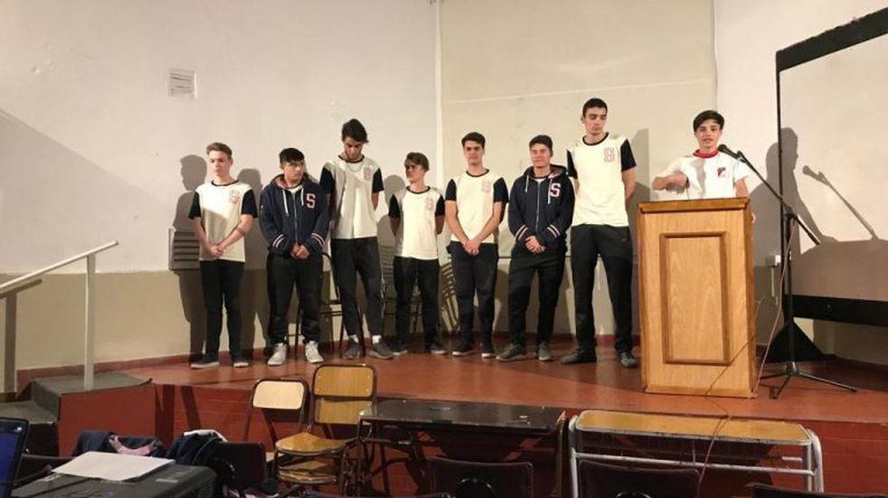 """Alumnos estudiaron """"el ocio"""" en Carlos Paz y expusieron sus resultados"""