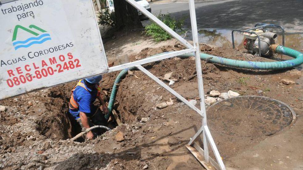 """Un corte de agua """"imprevisto"""" afectó barrios de zona sur de Córdoba"""