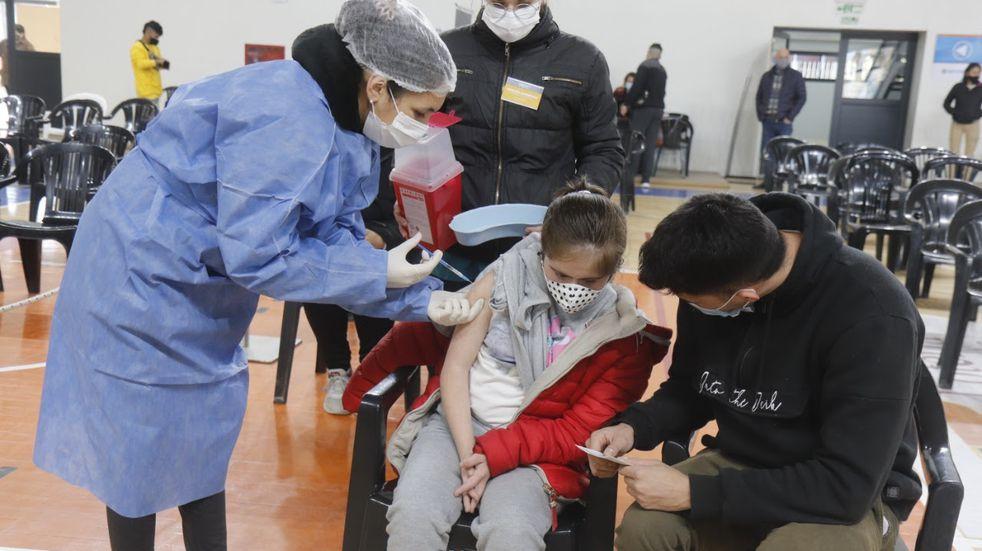 Vacunación Covid-19 en Carlos Paz: comenzaron a Vacunar a jóvenes de 12 a 17 años
