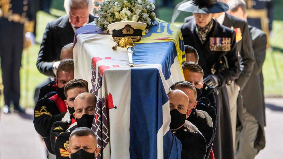 La Reina Isabel II encabezó el funeral del príncipe Felipe de Edimburgo