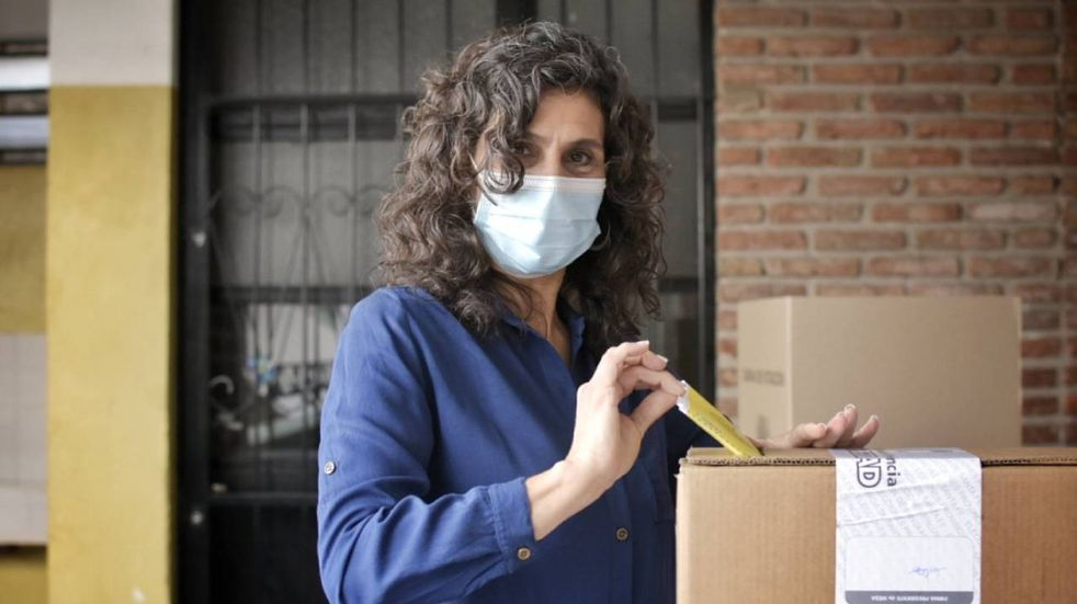 """Norma López votó temprano y aseguró: """"Se vienen nuevos tiempos para Rosario"""""""