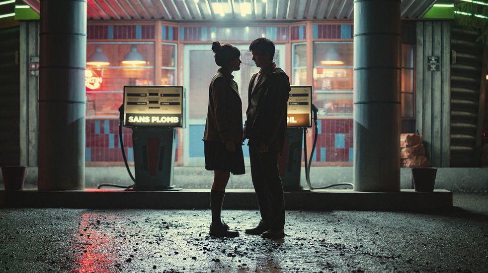 Otis y Maeve en uno de los momentos definitivos de la tercera temporada de la serie británica. (Sam Taylor/NETFLIX).