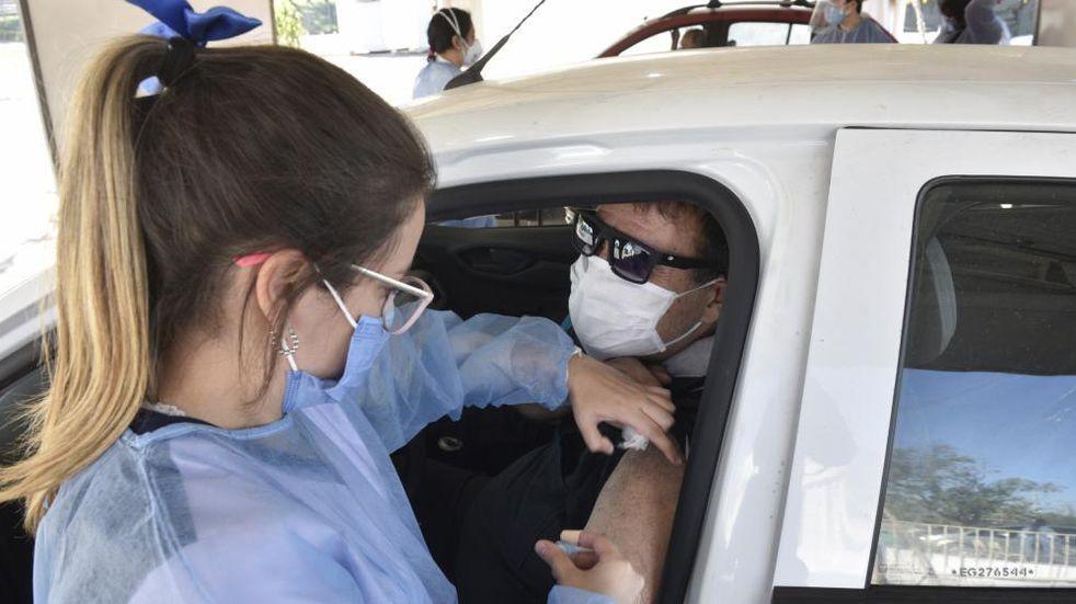 Llegaron a Córdoba más vacunas contra el coronavirus y la campaña toma nuevo impulso