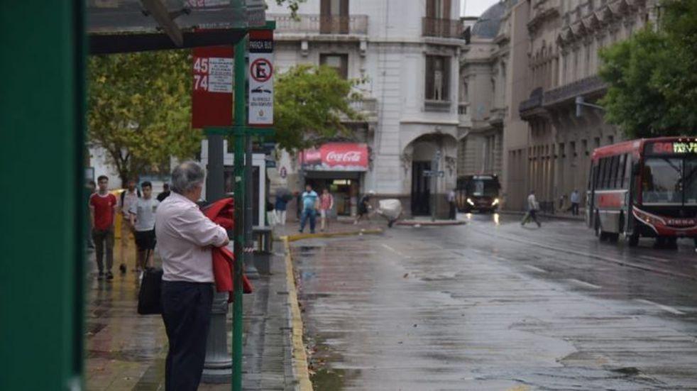 Emiten un alerta por tormentas fuertes para el centro de Córdoba