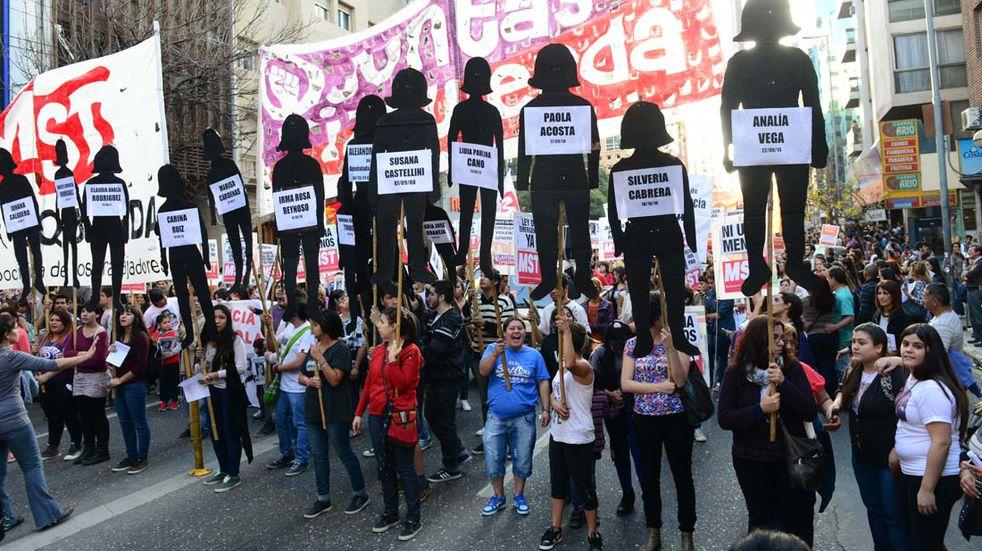 """Ni Una Menos: marchan en Córdoba contra los """"femicidios y transfemicidios"""""""