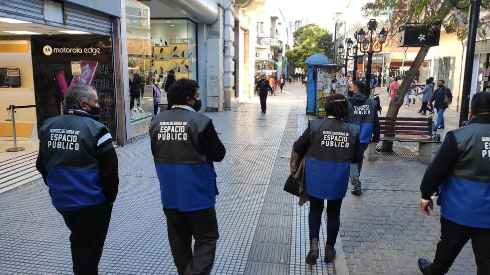 70 inspectores recorrerán el centro de la ciudad para asegurarse que se cumpla con la Ordenanza que reglamenta la venta ambulante.