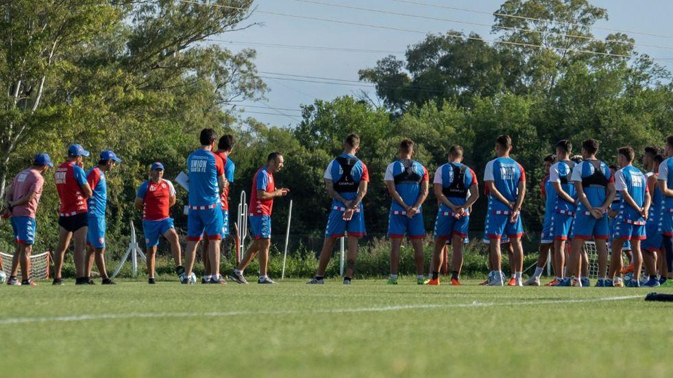 Unión presentará tres cambios en la formación para jugar con Rosario Central