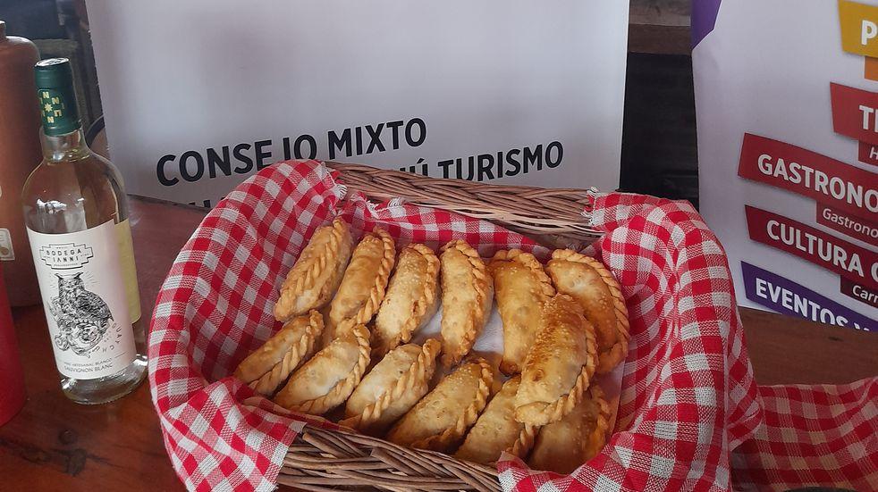 Semana de Mayo: preparamos empanadas entrerrianas dulces y picadas a cuchillo