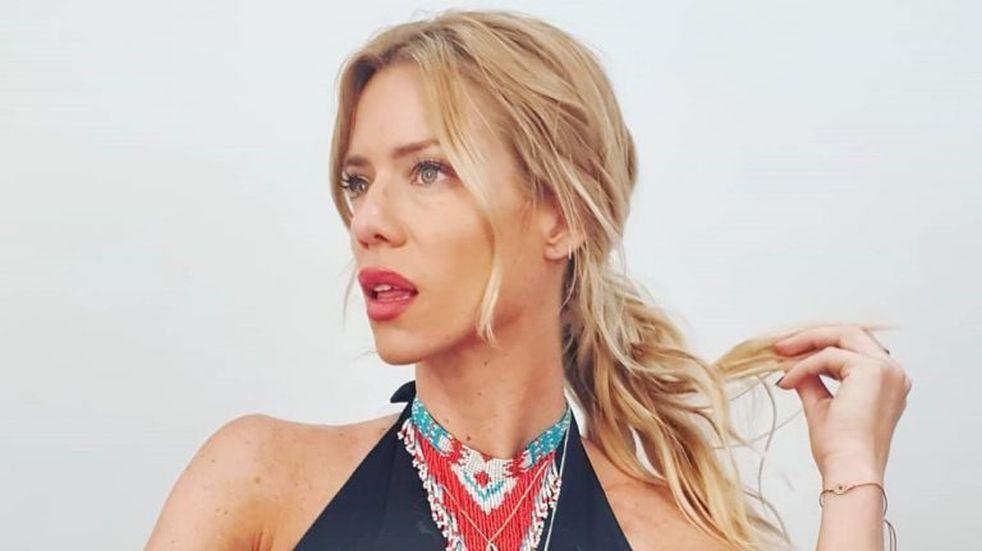 Nicole Neumann eligió un look muy sensual y sofisticado