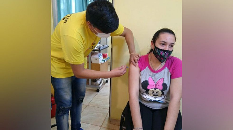 Vacunación en Misiones a mayores de 18 años sin factores de riesgo