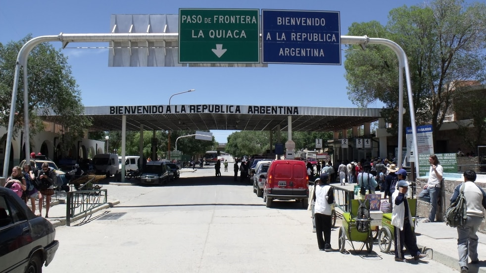 Quedó habilitado el paso fronterizo La Quiaca-Villazón, aunque sólo se permite el tránsito de residentes de ambas ciudades.