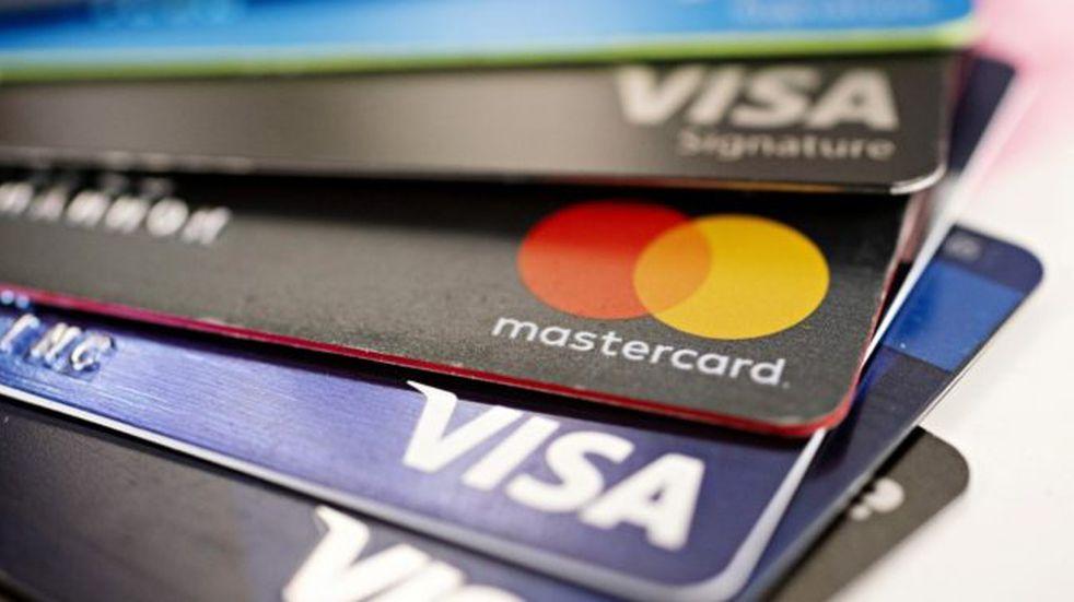 Una jubilada cordobesa fue víctima de fraude e hicieron compras en el exterior con su tarjeta