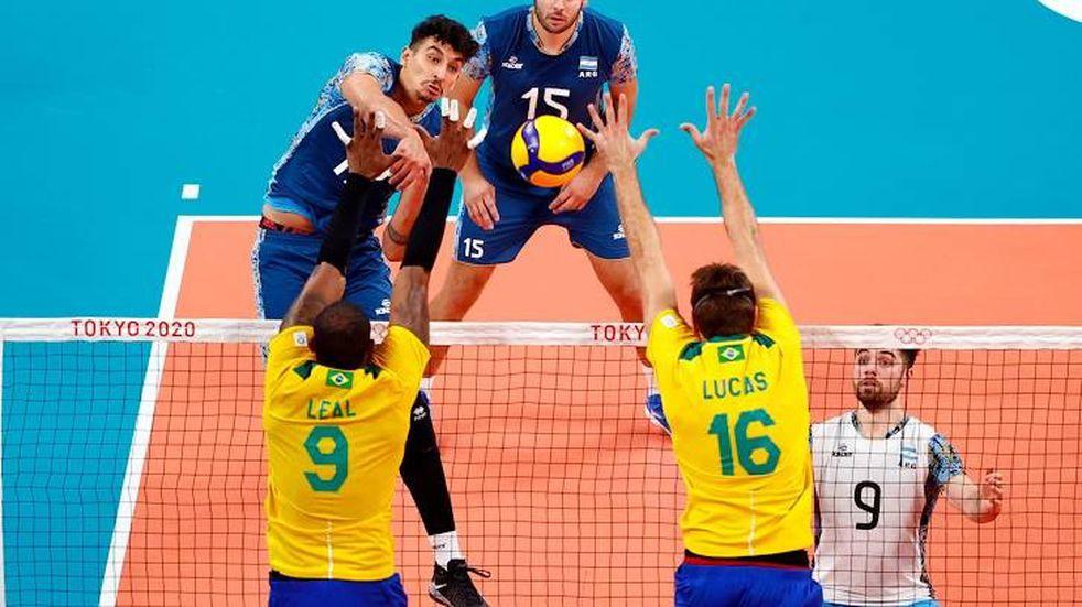 Vóley olímpico: Argentina jugó un partidazo ante Brasil, pero perdió en el tie break