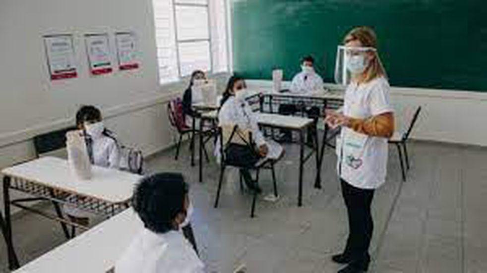Con capacidad de las aulas al 30% regresan las clases presenciales en Foz de Iguazú