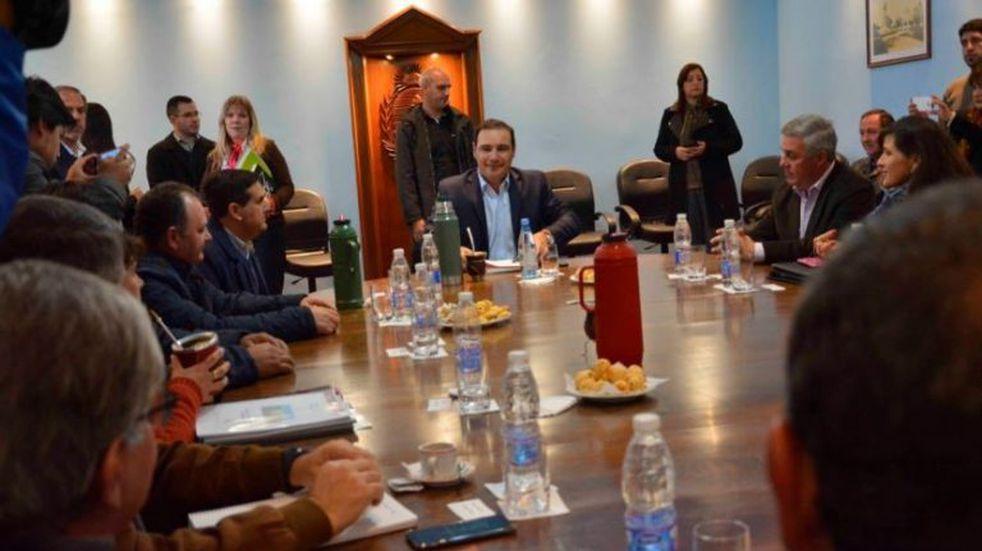 Valdés recibe a intendentes con una propuesta compensatoria para el Fondo Sojero