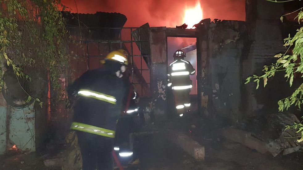 Mendiolaza: la desesperante situación de una familia que lo perdió todo en un incendio