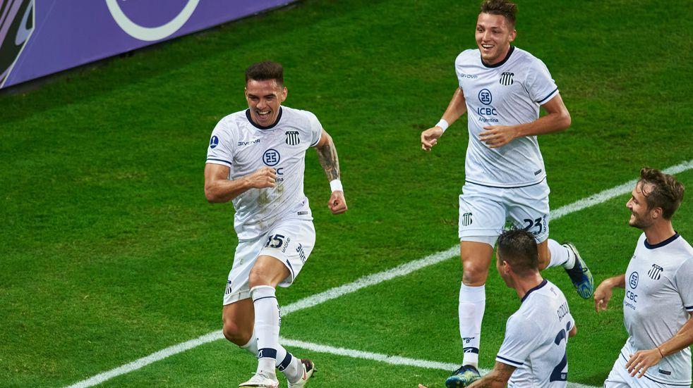 Talleres le ganó 4 a 1 a Emelec en Guayaquil y se despidió de la Copa Sudamericana con una sonrisa
