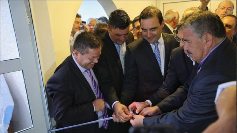 Avruj y Valdés inauguraron un Centro de Ex Combatientes y homenajearon a los héroes de Malvinas